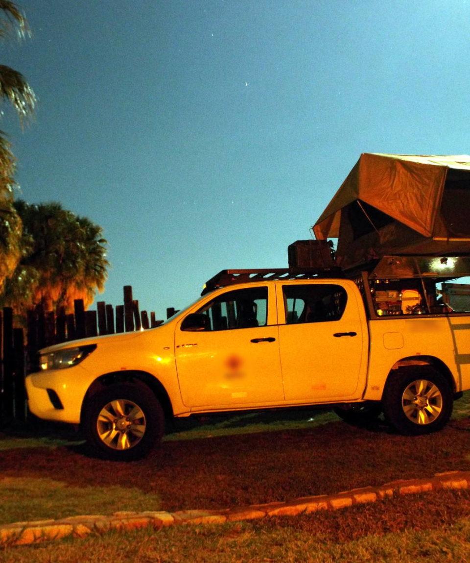 Toyota Hillux camp